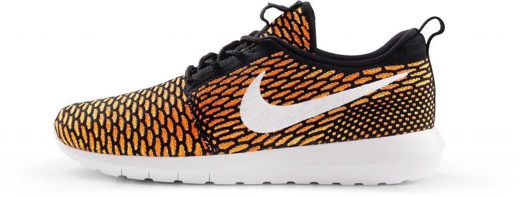 RS114926_Foot Locker_Nike_Roshe_NM_Flyknit_black_white_total-orange