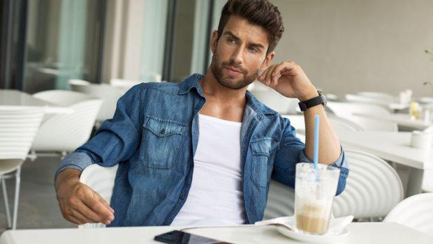 Sexy Mann mit Drei-Tage-Bart