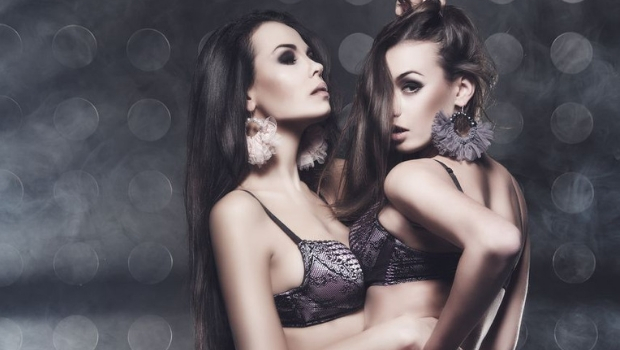 Hübsche Frauen aus Serbien